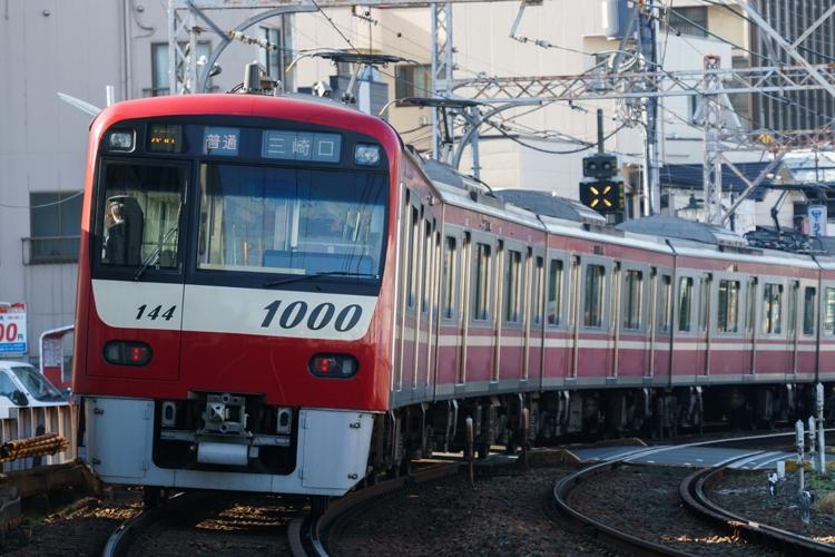 「赤い電車」がトレードマークの京急線