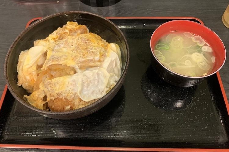 ゆで太郎(信越食品)の「かつ丼」