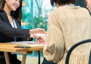 実際にリファラル採用で転職した人が経験を語る(イメージ)