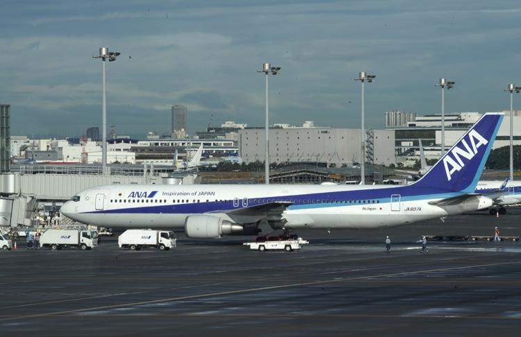 ANAの旅客機(EPA=時事)