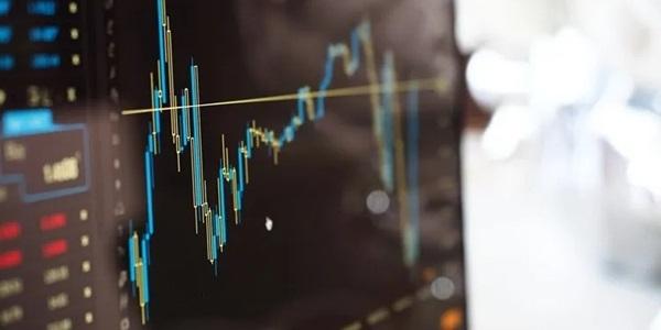 短期トレードで利益を狙うなら「裁量取引」