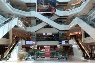 シンガポールのショッピングセンターもほぼ営業休止中