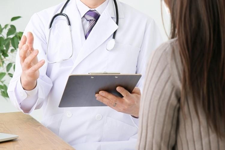 診察時間外の受診が多い人は要注意(イメージ)