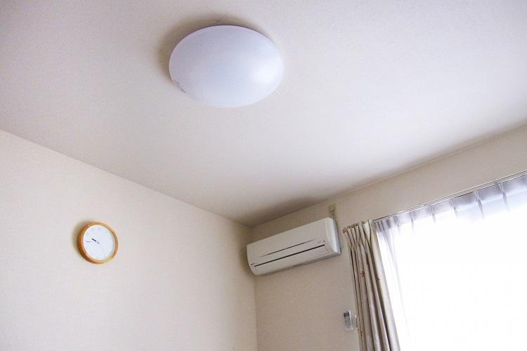 狭い部屋での一人暮らし生活はメンタルにも影響する?(イメージ)