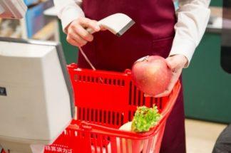 スーパーの店員が「危険手当」を要求するのは妥当か(イメージ)