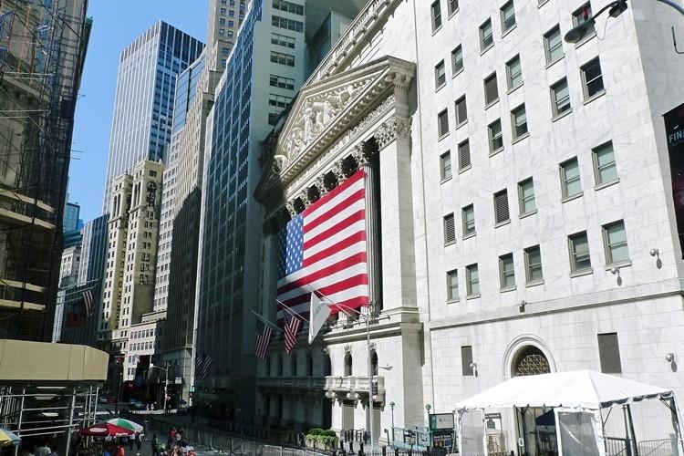 マイナス金利は株式市場にどう影響するのか(ニューヨークのウォール街)