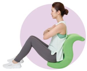 座ってゆらゆらするだけでお腹まわりを鍛えることができる『ゆらころん(ショップジャパン)』