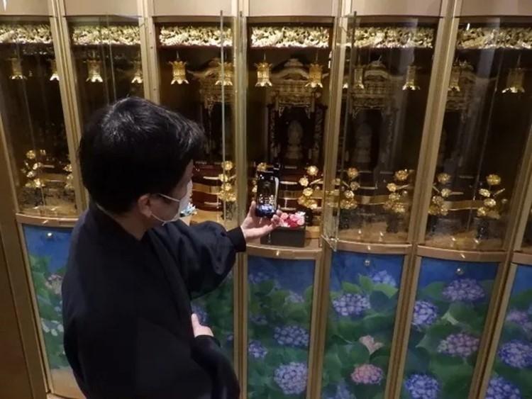 青山霊廟ではインターネットで個別に見学できる「LINE見学」もスタート