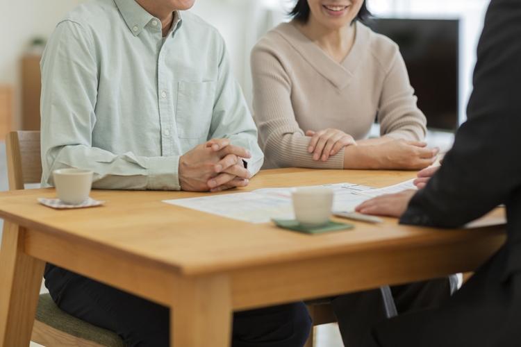 保険営業は国内大手と外資で明暗(写真:AFLO)