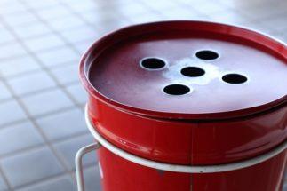 飲み屋街の「屋外喫煙問題」 外に灰皿を置く店側の言い分は