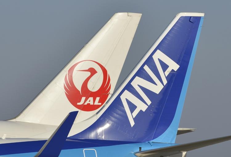 コロナ再編の波は航空業界にも及ぶか(時事通信フォト)