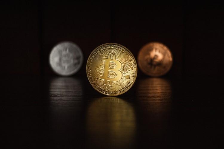 日本や世界各国でデジタル通貨に関する議論や実験が進んでいる