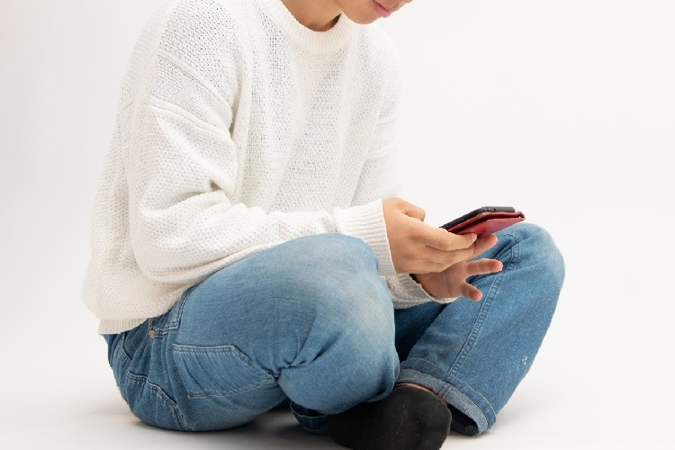 「大人買い」投稿を目にした子供の金銭感覚はどうなる?(イメージ)