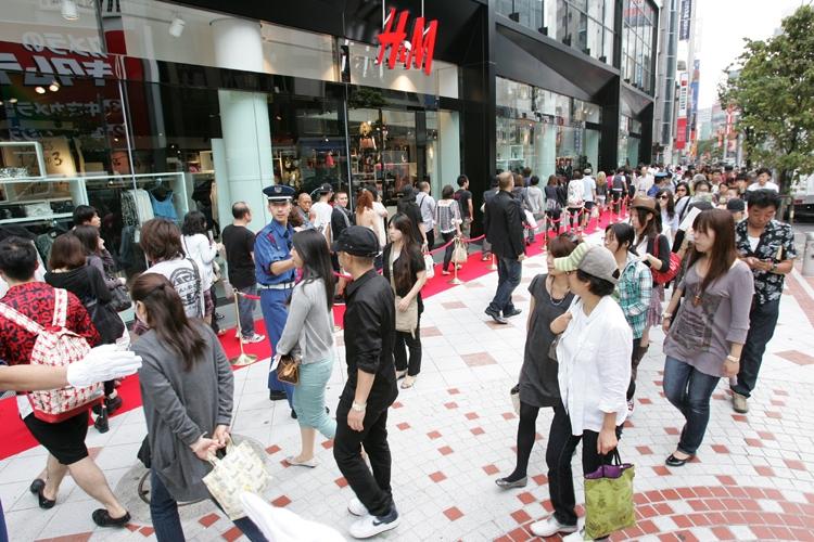 2009年に『H&M』渋谷店がオープンした際の様子