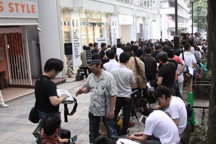 2008年『iPhone3G』発売日当日のソフトバンク表参道店