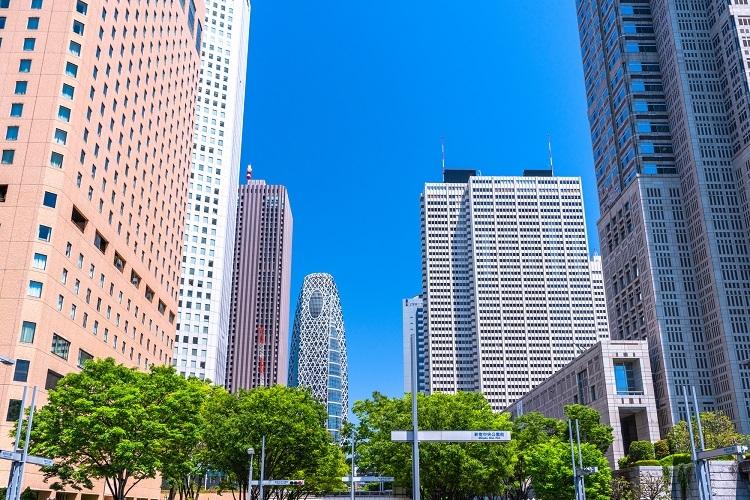 超高層ビルが建ち並ぶ「西新宿」の住む街としての実力は?