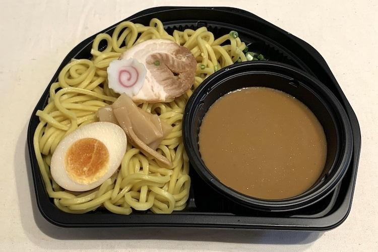 ローソン『濃厚魚介スープの冷しつけ麺』