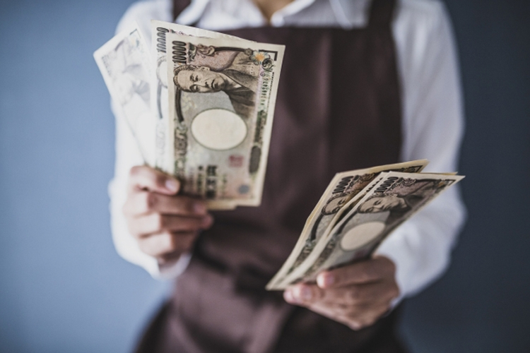 現金のへそくりがいざというときに役立つことも