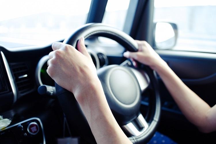 運転に不安がある場合はペーパードライバー向けの講習を受けておきたい(イメージ)