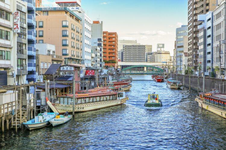 神田川には屋形船も(浅草橋周辺)
