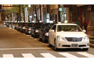 年収1000万円を超えるタクシードライバーは何が違うのか(時事通信フォト)