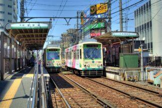 東京メトロ、京成にくわえ、都電荒川線も利用可能(町屋駅前駅)