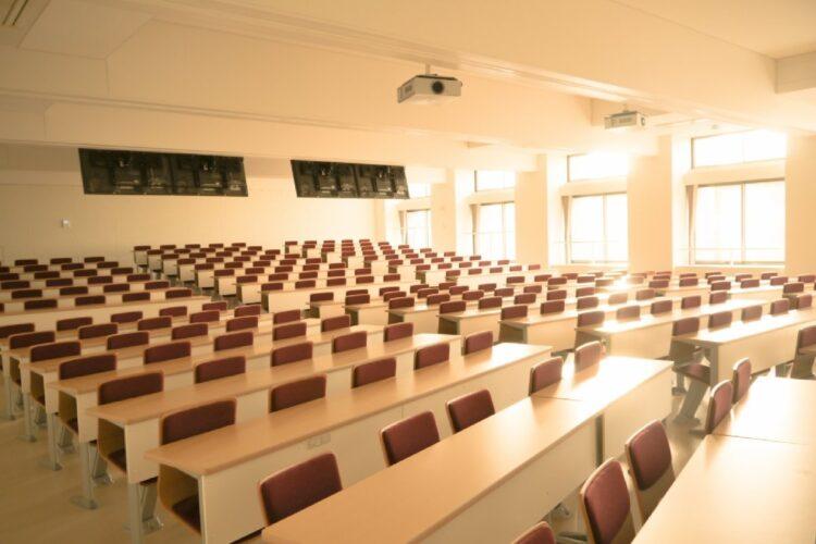 大学の対面講義全面再開への課題とは(イメージ)
