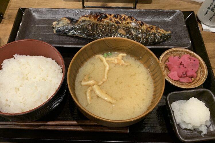しんぱち食堂の人気No.1『さば文化干し定食』のお味は?