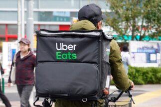 ウーバーイーツ配達員の「ウバッグ」盗難続出 使用済みバッグがなぜ?