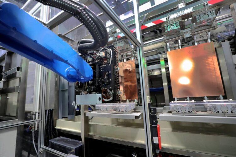 コロナ禍で半導体の需給が逼迫している(中国江蘇省。Getty Images)
