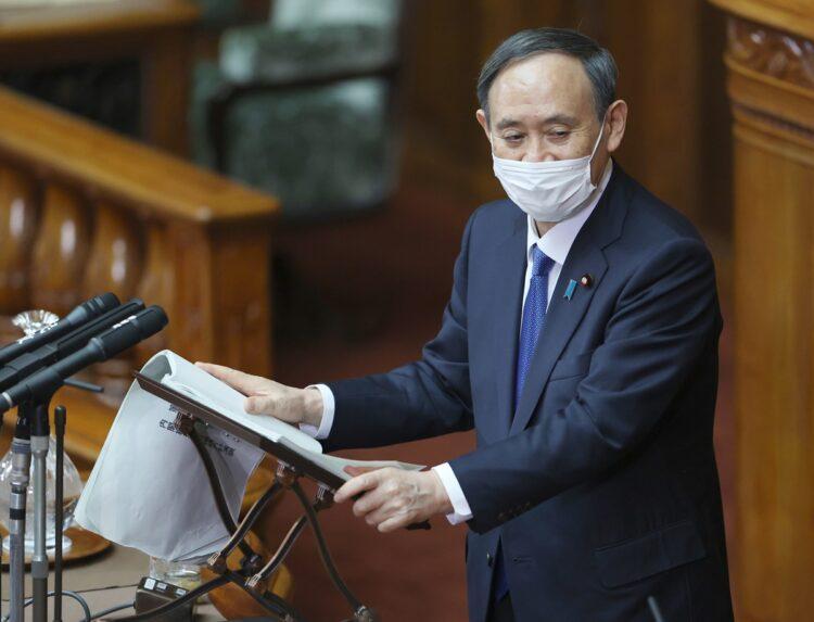 菅義偉・首相は「コロナ増税」を視野に入れた発言も…(時事通信フォト)