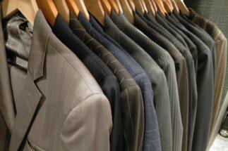 「脱スーツ」の快適さを知るともうスーツには戻れない?(イメージ)