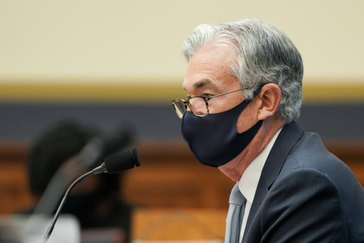 FRBのパウエル議長は、アメリカ経済への支援継続を改めて示唆している(Getty Images)