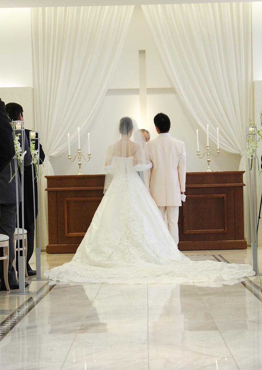 もう結婚式場を手配しても大丈夫?(イメージ。写真/AFLO)