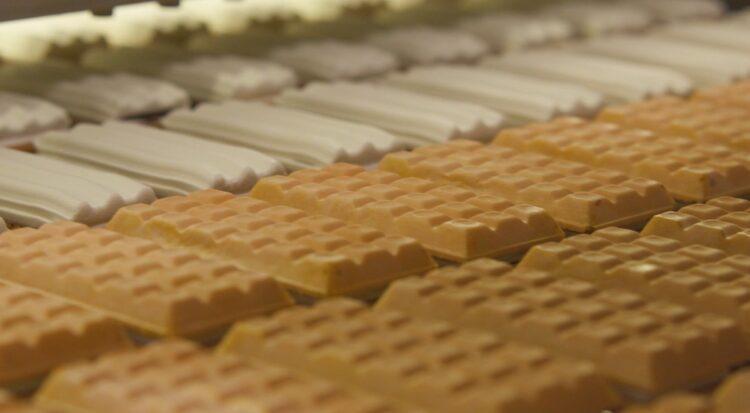 「チョコモナカジャンボ」は鮮度管理を徹底しているという