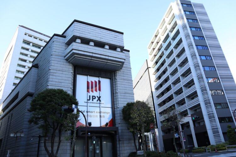 日経平均は再び3万円に接近