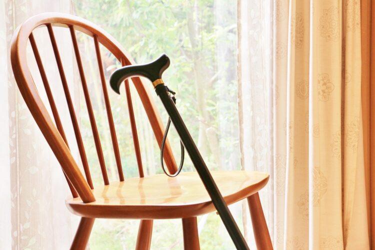 「横の関係」が老後の様々な場面で役立つ(イメージ)