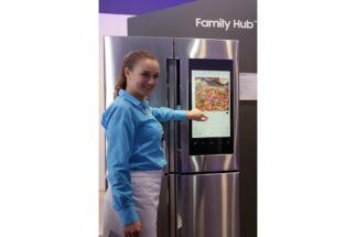 AIで家電はどう進化している?(写真はサムスンの冷蔵庫『Family Hub 2.0』/共同通信社)