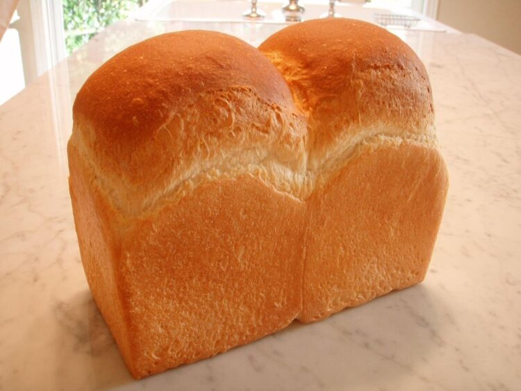 注文から17年待ちの食パン。現在、同店の商品を待っている人は2万人以上!