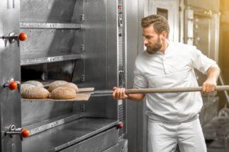 パン工場のバイトの実態は?(写真はイメージ…とはかけ離れています。AFLO)