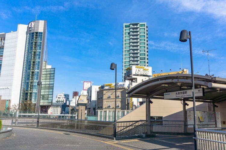 東映アニメーションと東映撮影所があり、駅の発車メロディは「銀河鉄道999」(大泉学園駅)