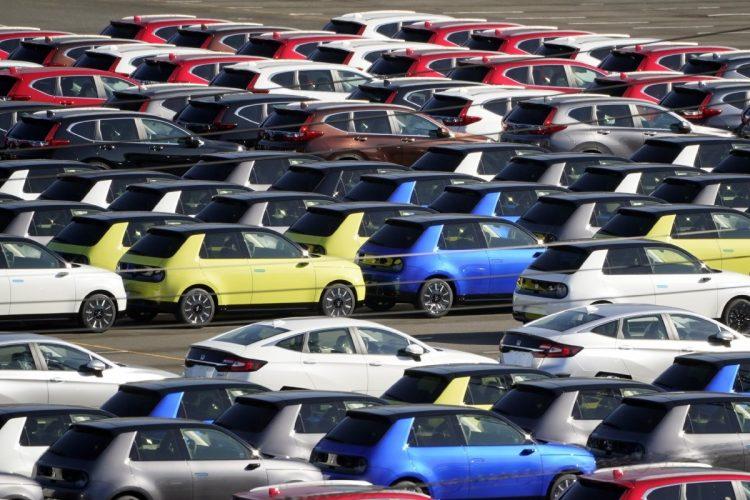 自動車をはじめ、日本の貿易における中国依存度は高い(EPA=時事)