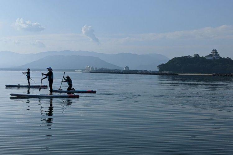 早朝に唐津の海でSUPしてから仕事をするという充実した日々