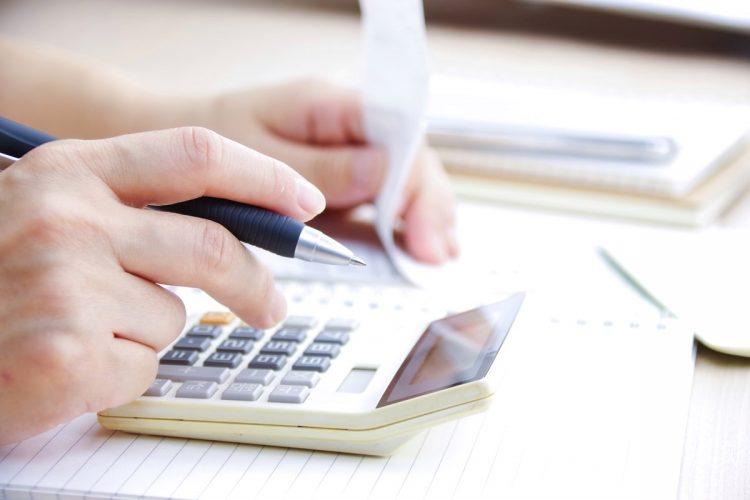 賃貸でも持ち家でも、それぞれ住居費を抑えるワザがある(イメージ)