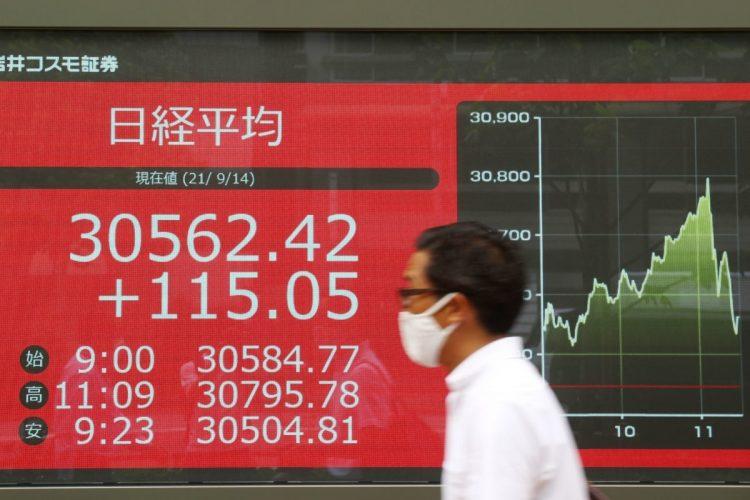 自民党総裁選に向けて日経平均株価も年初来高値を更新(時事通信フォト)