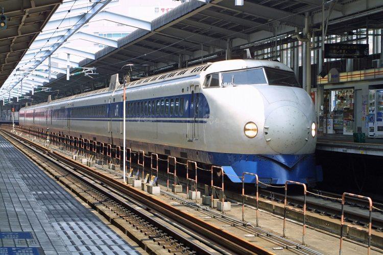1964の開業当時、東海道新幹線を走った初代「0系」(写真/筆者撮影)