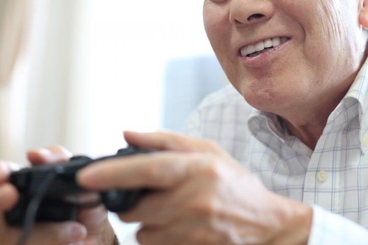 高齢プレイヤーたちがゲームにハマったきっかけは?(イメージ)