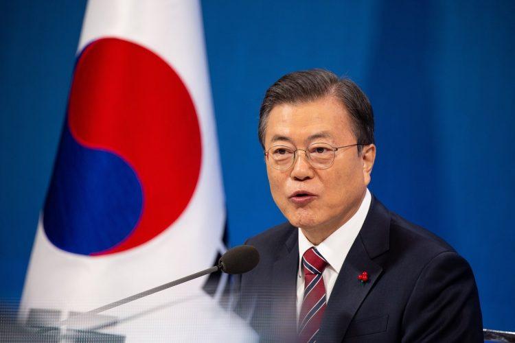 韓国の文在寅・大統領は「強制執行は望ましくない」と語っていたが…(写真/EPA=時事)